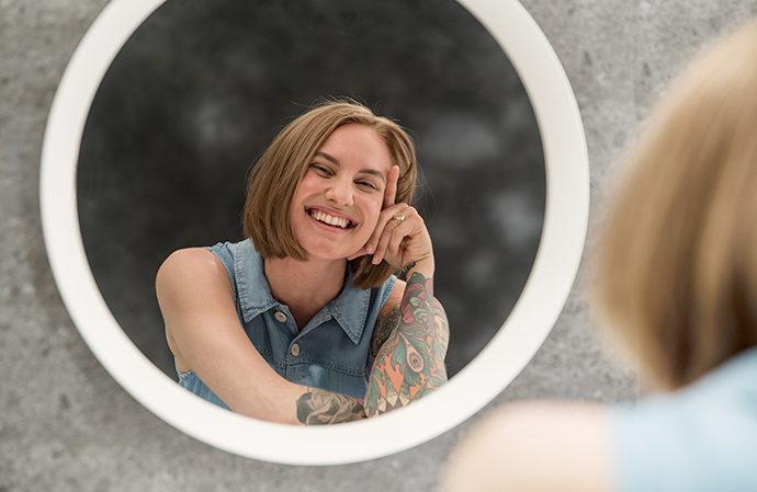4 syytä rakastaa itseäsi – sano nämä asiat peilikuvallesi päivittäin!